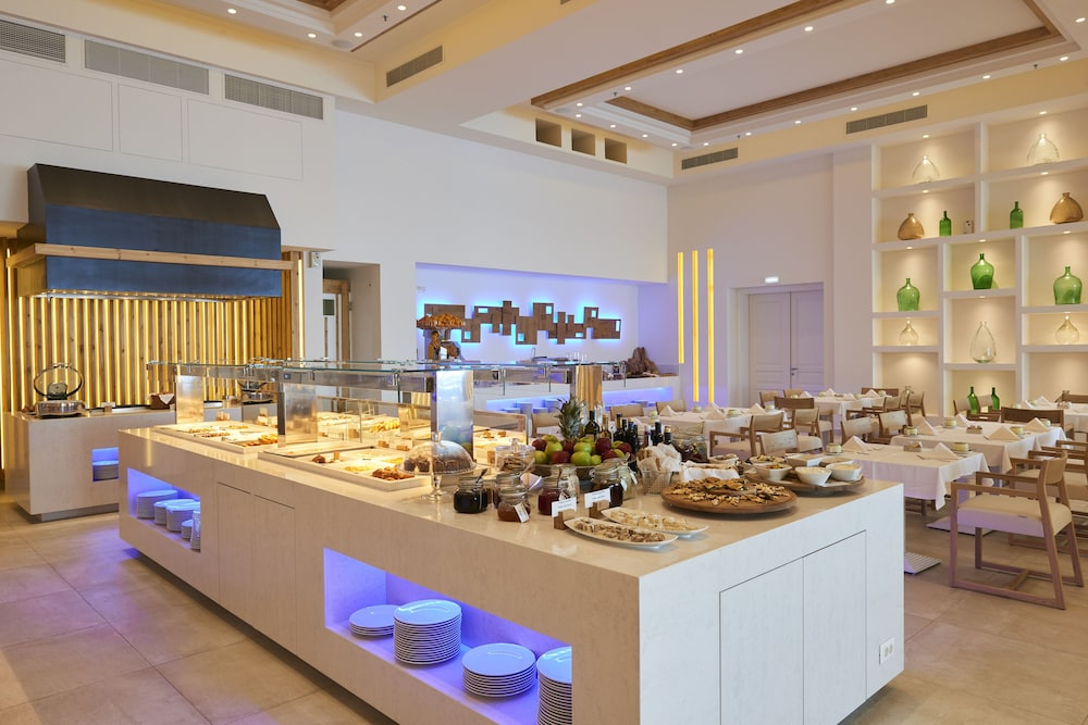 Buffet, Saint John Hotel Villas & Spa