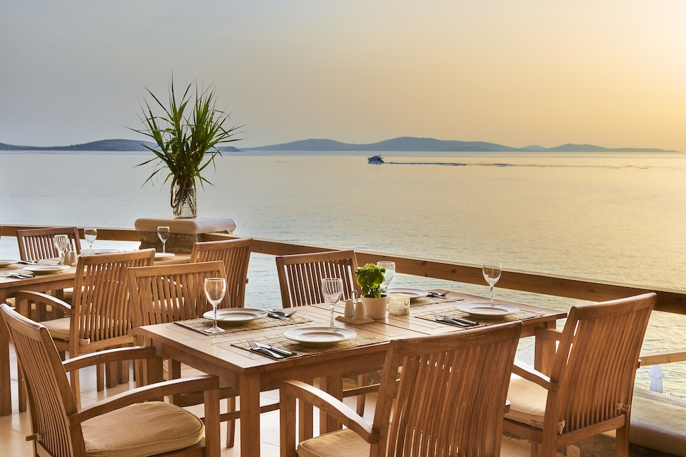 Outdoor Dining, Saint John Hotel Villas & Spa