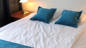 Minibar, free WiFi, linens, alarm clocks