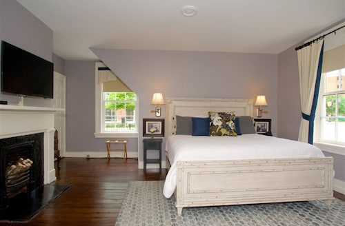 Dinsmore Boutique Inn