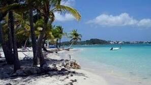 På stranden, snorkling, kajakpaddling och rodd/paddling