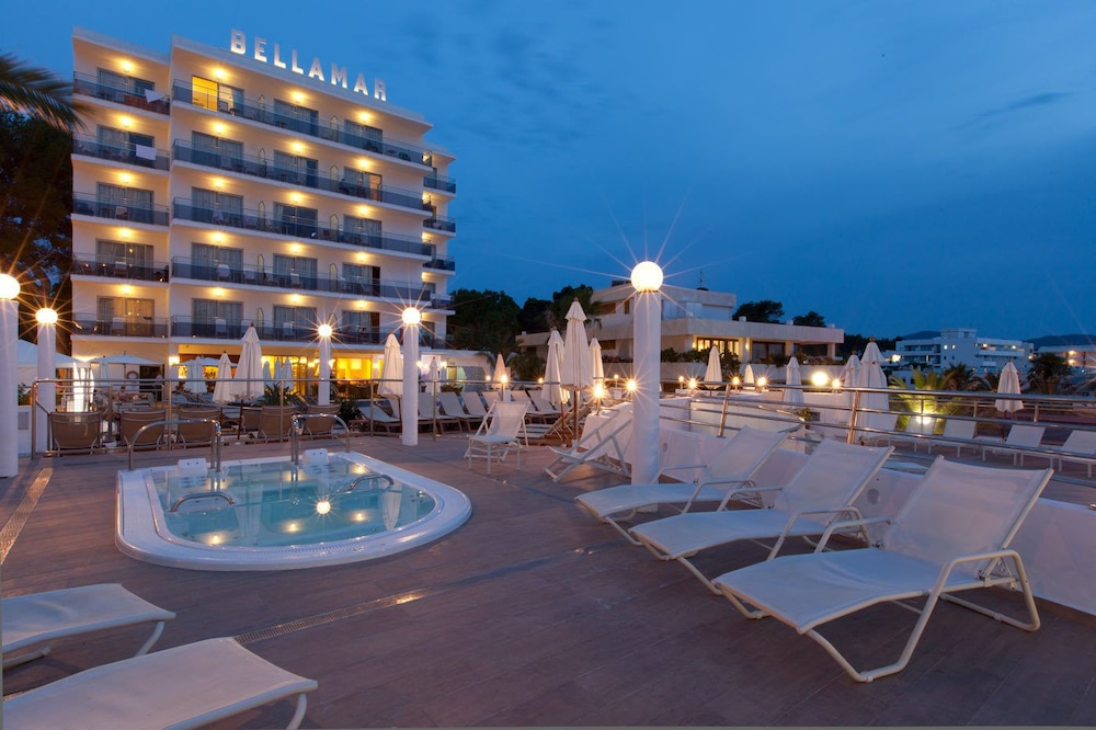 Front of Property - Evening/Night, Bellamar Hotel Beach & Spa