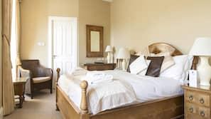 埃及棉床单、高档床上用品、加厚床垫、书桌