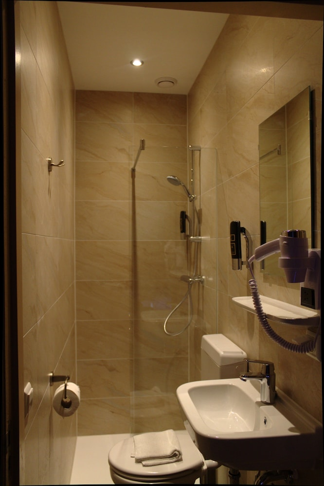 Bathroom, Aston City Hotel