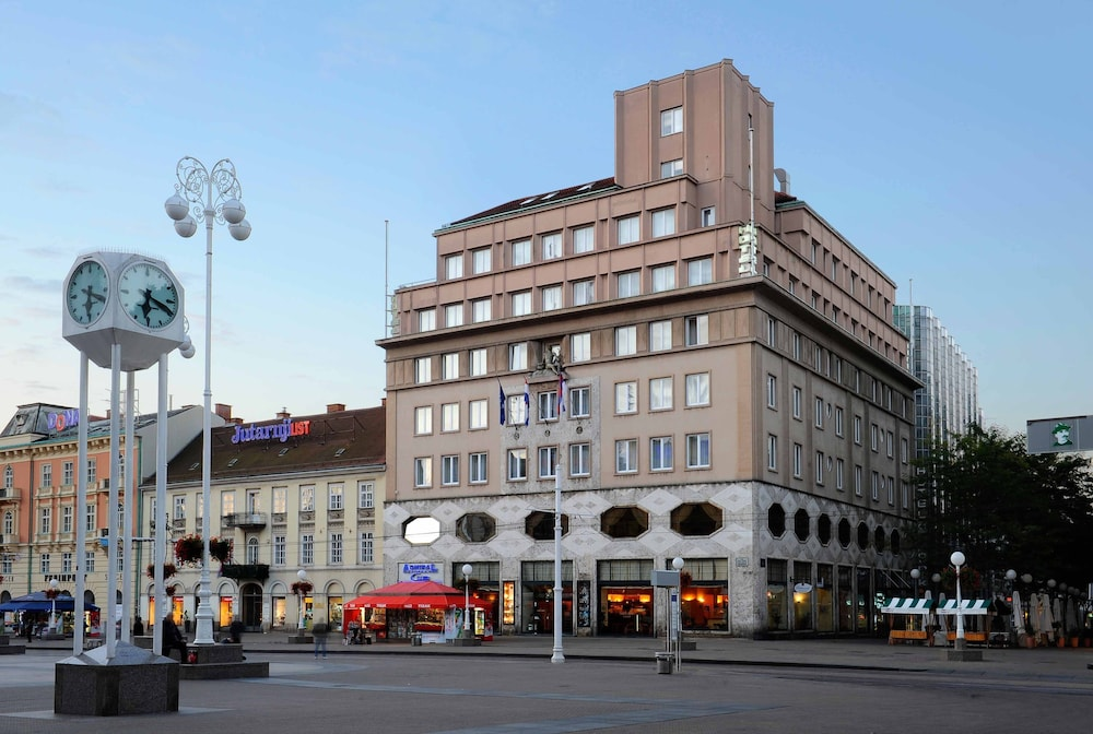 Book hotel dubrovnik zagreb hotel deals for Hotels zagreb