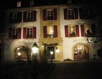 Front of Property - Evening/Night, Hôtel Restaurant Bellevue Onnens