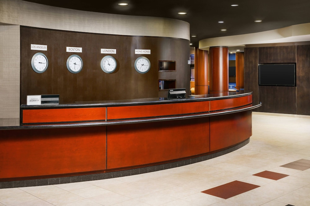Lobby, Courtyard by Marriott Boston-South Boston