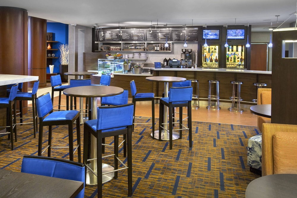 Restaurant, Courtyard by Marriott Boston-South Boston