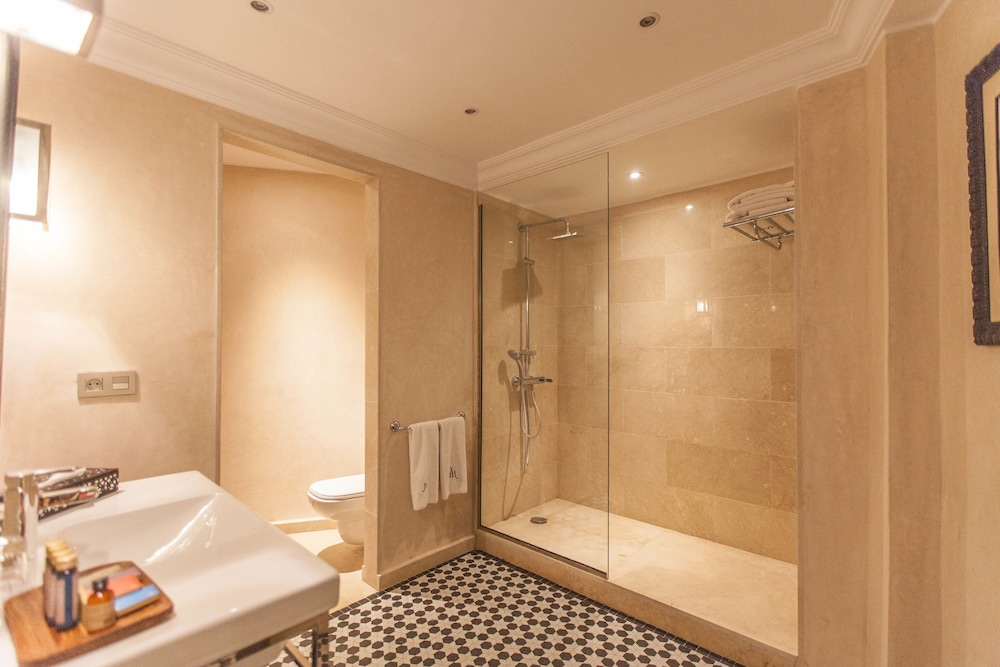 Bathroom, Hivernage Hotel And Spa