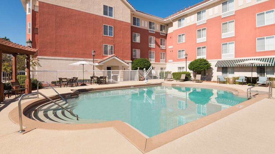 Homewood Suites by Hilton Jacksonville-South/St. Johns Ctr.
