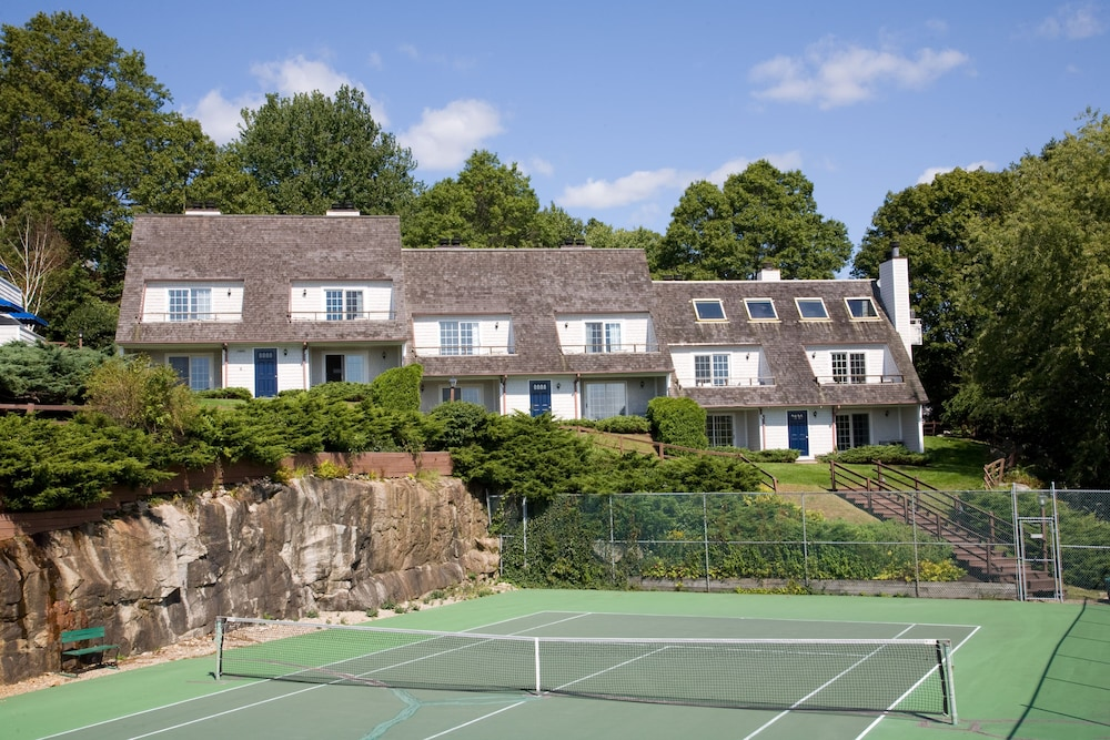 Tennis Court, The Inn at Mystic