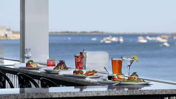 Breakfast, lunch and dinner served, American cuisine, beach views