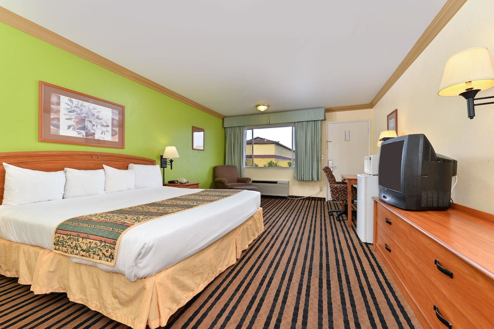 Room, Americas Best Value Inn Vacaville Napa Valley