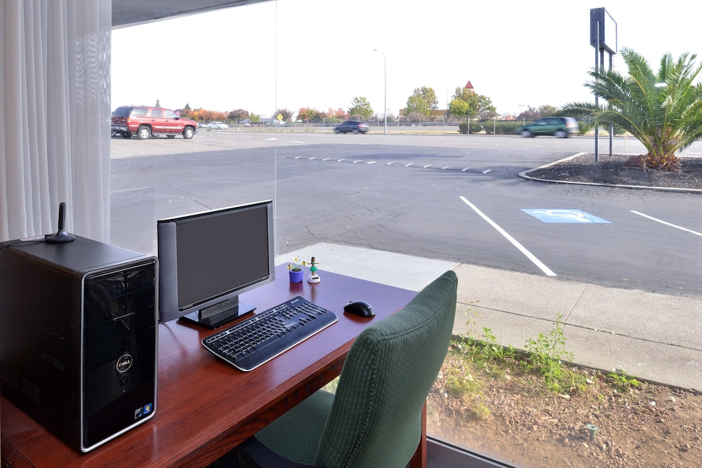 Business Center, Americas Best Value Inn Vacaville Napa Valley