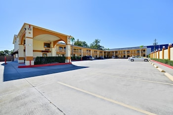 Americas Best Value Inn Houston at I-45 & Loop 610