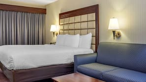 Pillowtop beds, in-room safe, desk, blackout drapes