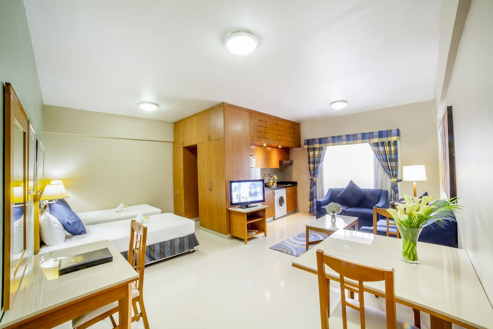 Room, Golden Sands Hotel Apartments