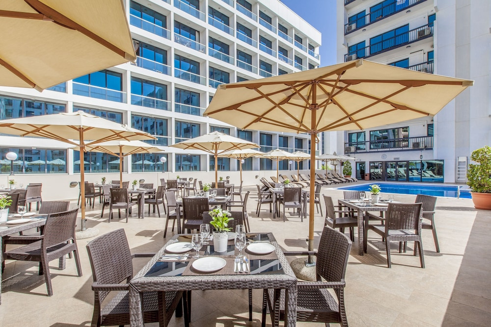 Terrace/Patio, Golden Sands Hotel Apartments