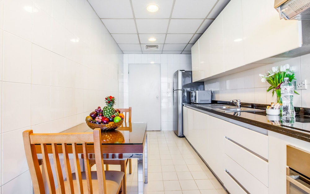 Private Kitchen, Golden Sands Hotel Apartments