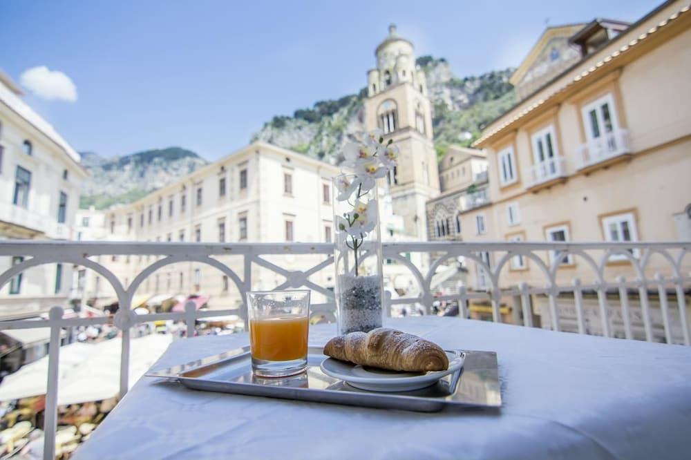 Hotel Fontana: 2019 Room Prices $131, Deals & Reviews   Expedia