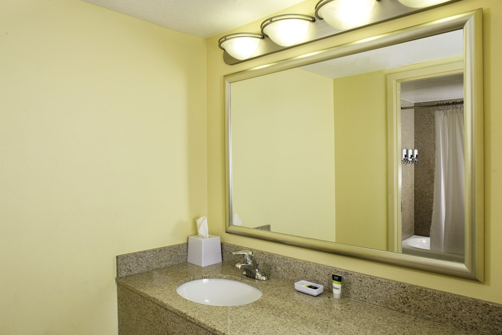 Bathroom, Four Points by Sheraton Cocoa Beach