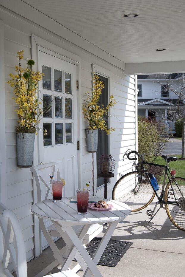 Porch, Eagle Harbor Inn