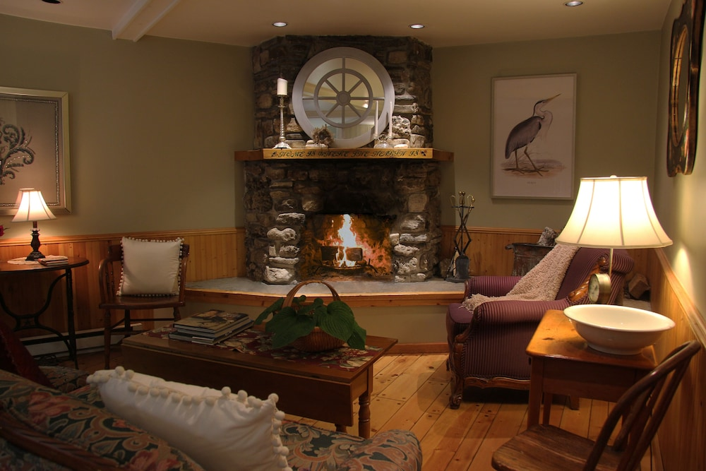Fireplace, Eagle Harbor Inn