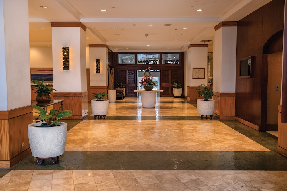 Lobby, Waikiki Marina Resort at the Ilikai