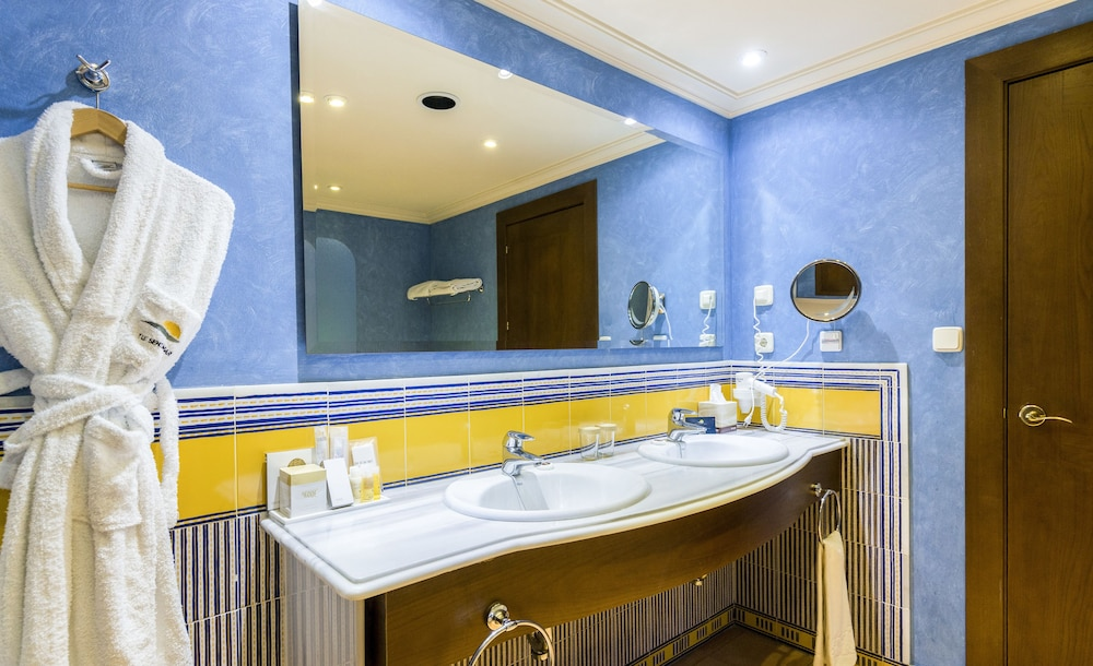 Bathroom Sink, TUI BLUE Isla Cristina Palace - Adults Only