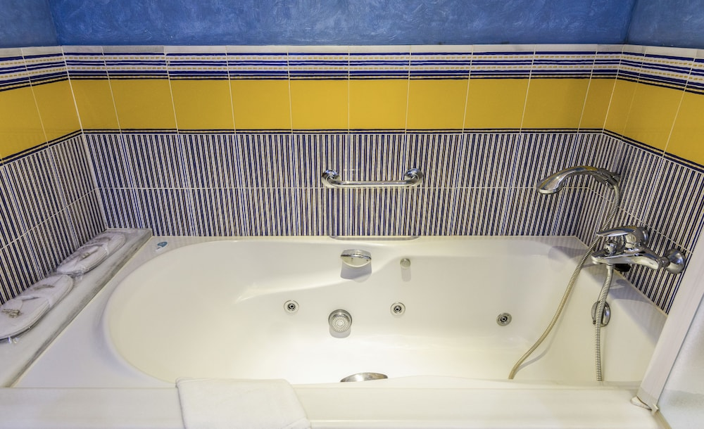 Deep Soaking Bathtub, TUI BLUE Isla Cristina Palace - Adults Only