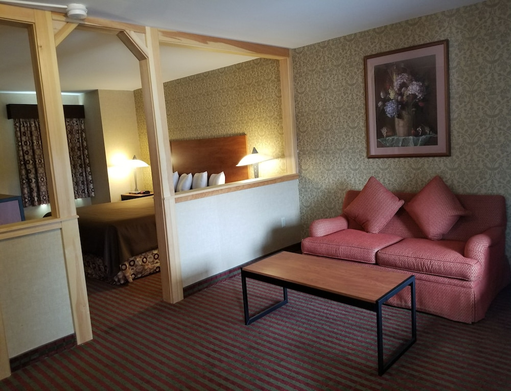 Living Area, All Seasons Inn and Suites