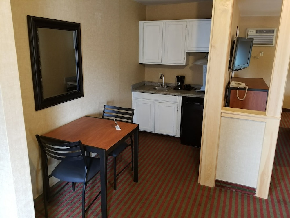 Private Kitchenette, All Seasons Inn and Suites