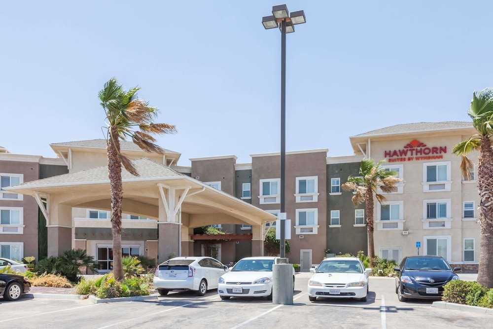 Featured Image, Hawthorn Suites by Wyndham Victorville