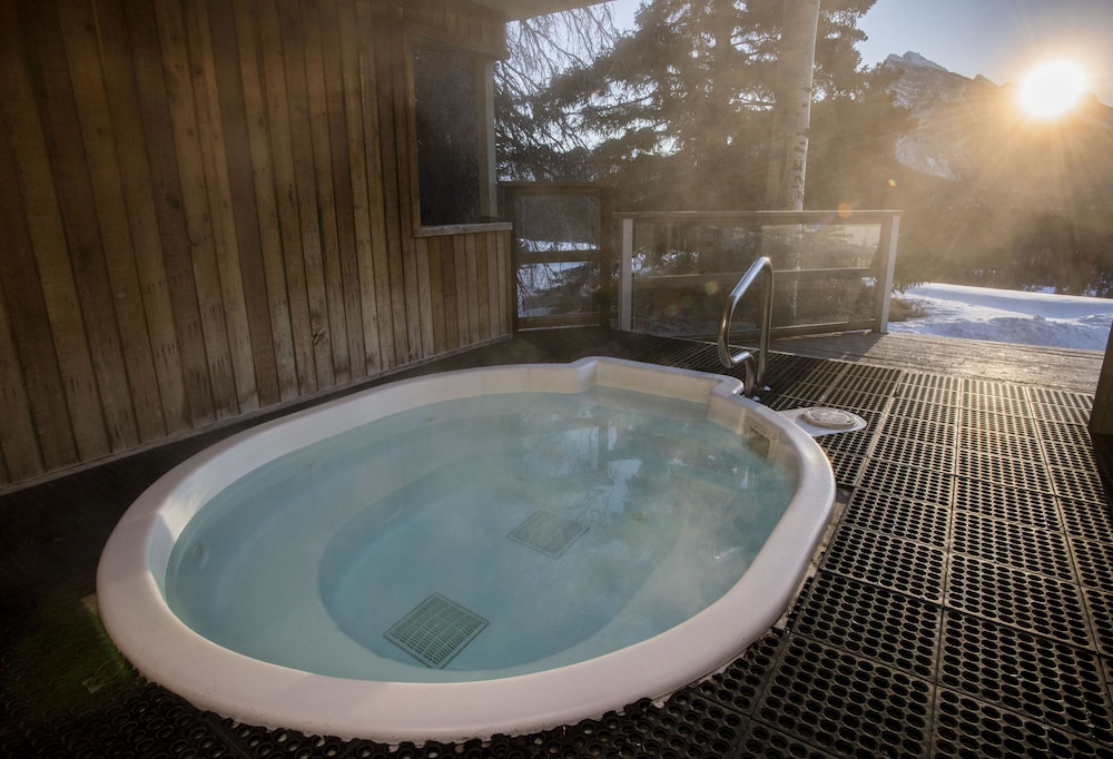 Indoor Spa Tub, The Juniper Hotel