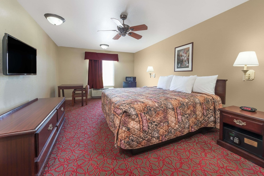 Room, Days Inn by Wyndham St Peters/St Charles