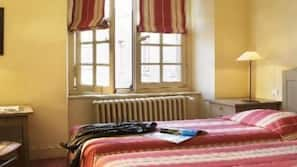 Minibar, bureau, chambres insonorisées, lits bébé (gratuits)