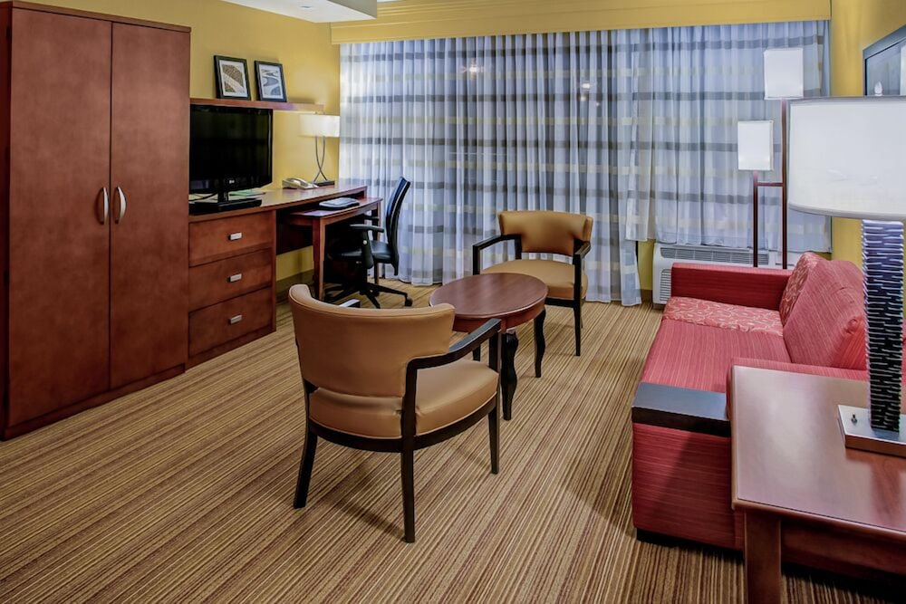 Living Area, Courtyard by Marriott Brunswick