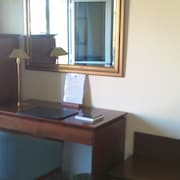 Centro de negocios en la habitación