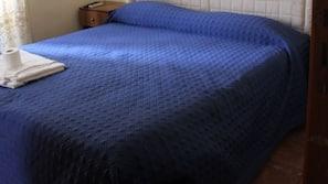Chambres insonorisées, fer et planche à repasser sur demande