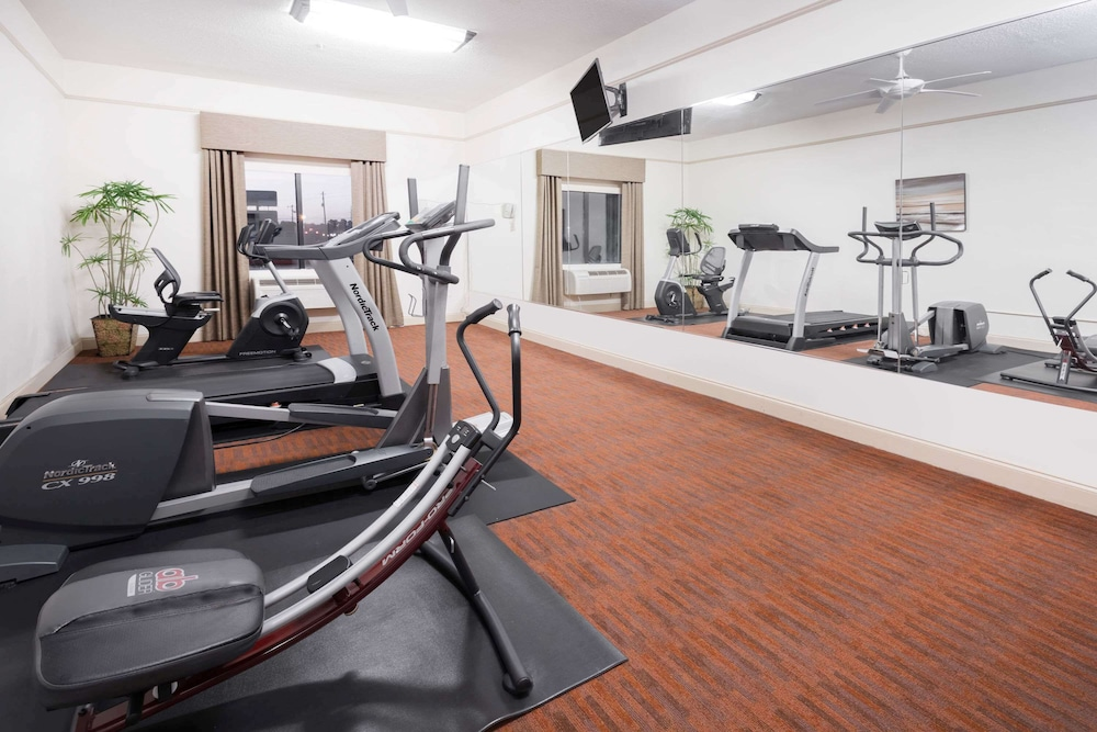 Fitness Facility, Baymont by Wyndham Savannah/Garden City