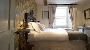 Egyptian cotton sheets, iron/ironing board, rollaway beds, free WiFi
