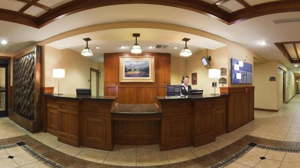 Reception, Holiday Inn Express and Suites Turlock
