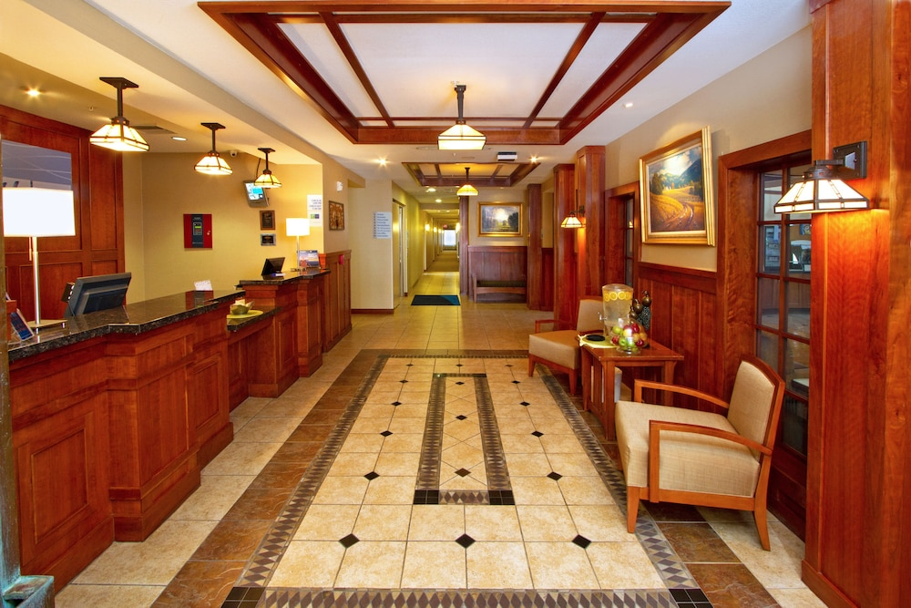 Lobby, Holiday Inn Express and Suites Turlock