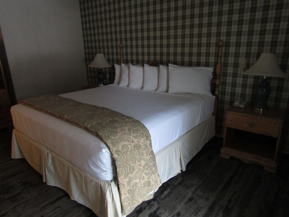Room, Green Granite Inn