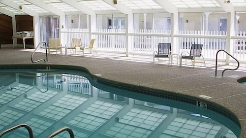 Indoor Pool, Green Granite Inn