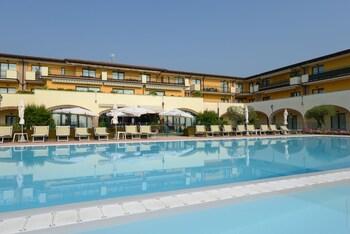 Le Terrazze Sul Lago Residence Hotel Reviews Photos