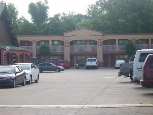 Check Expedia for Availability of Tahlequah Motor Lodge