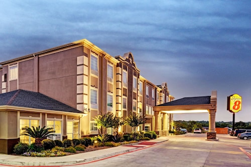 Great Place to stay Super 8 by Wyndham San Antonio/Alamodome Area near San Antonio