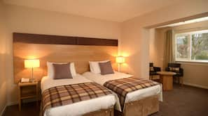 In-room safe, free WiFi, linens, alarm clocks