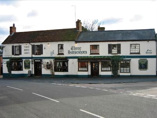 The Three Horseshoes - Inn